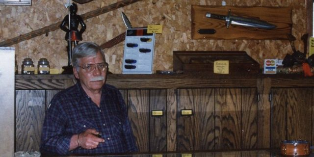 Country Knives history owner